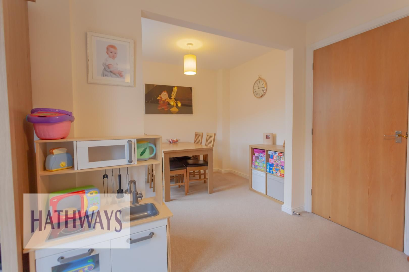 4 bed house for sale in Heol Y Groes 9