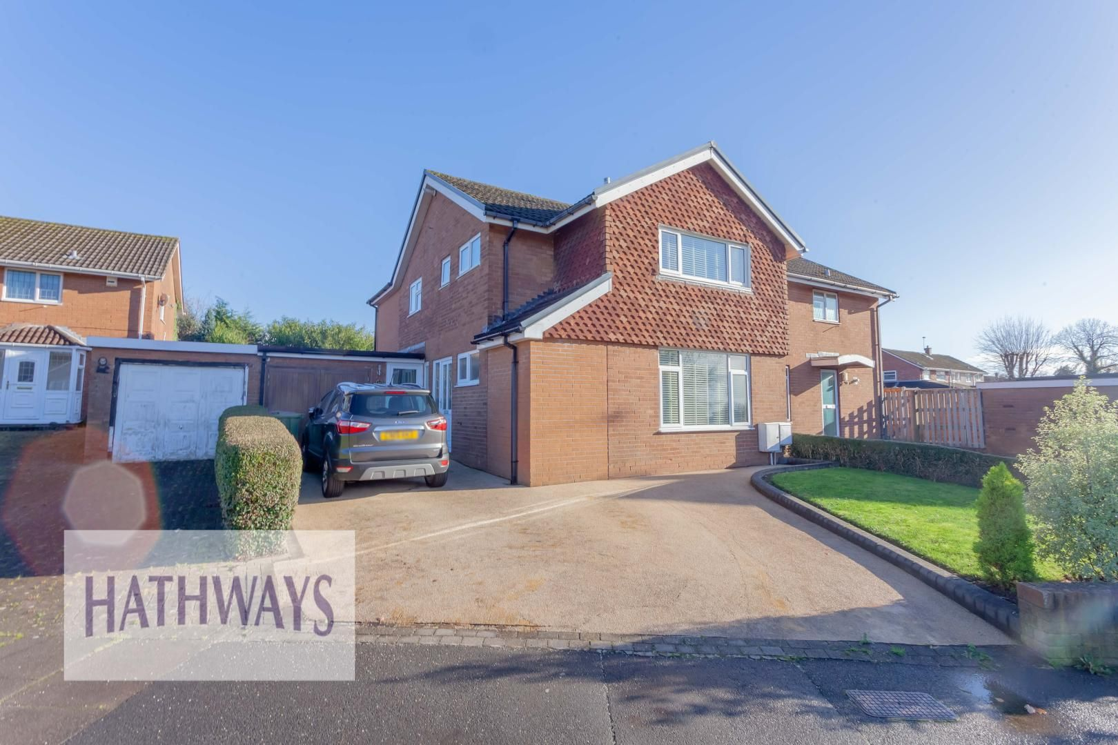 4 bed house for sale in Llanyravon Way, NP44