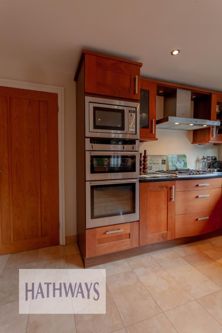 4 bed house for sale in Llanyravon Way 12