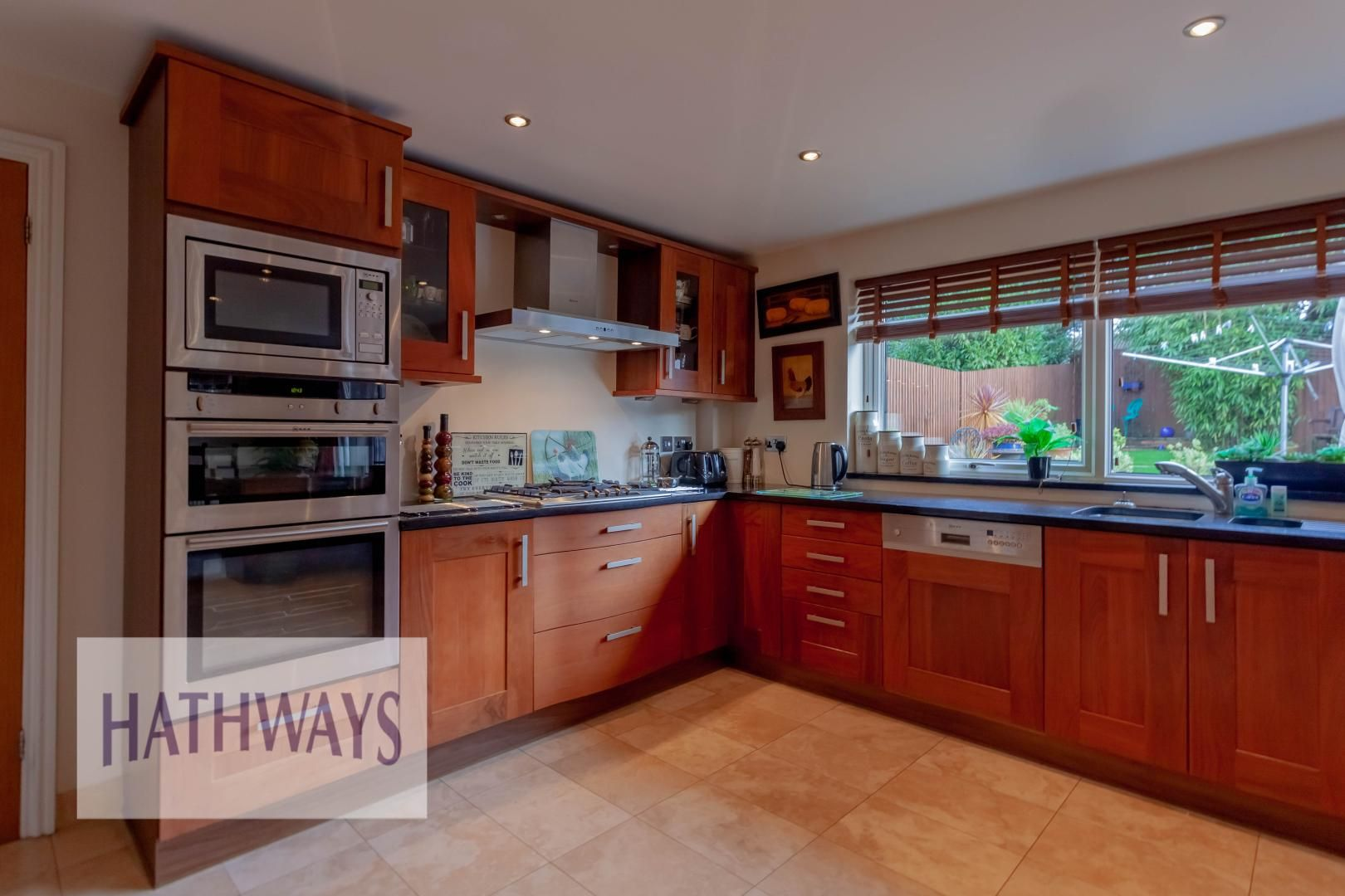 4 bed house for sale in Llanyravon Way 13