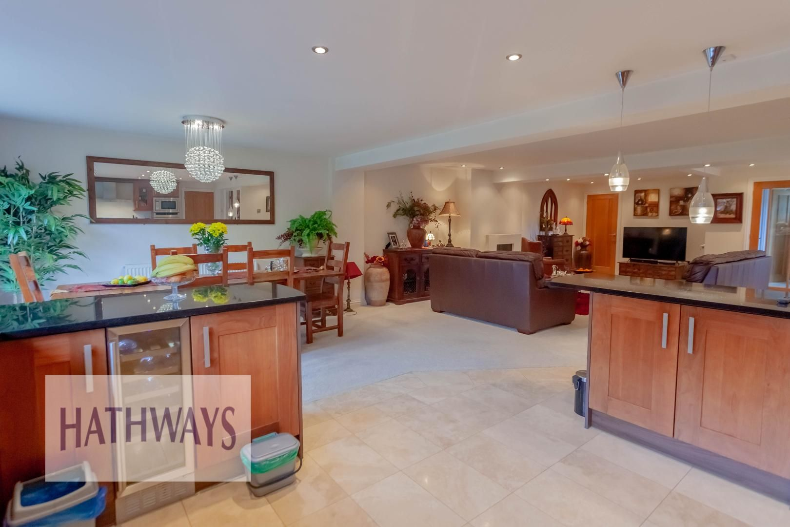 4 bed house for sale in Llanyravon Way 22
