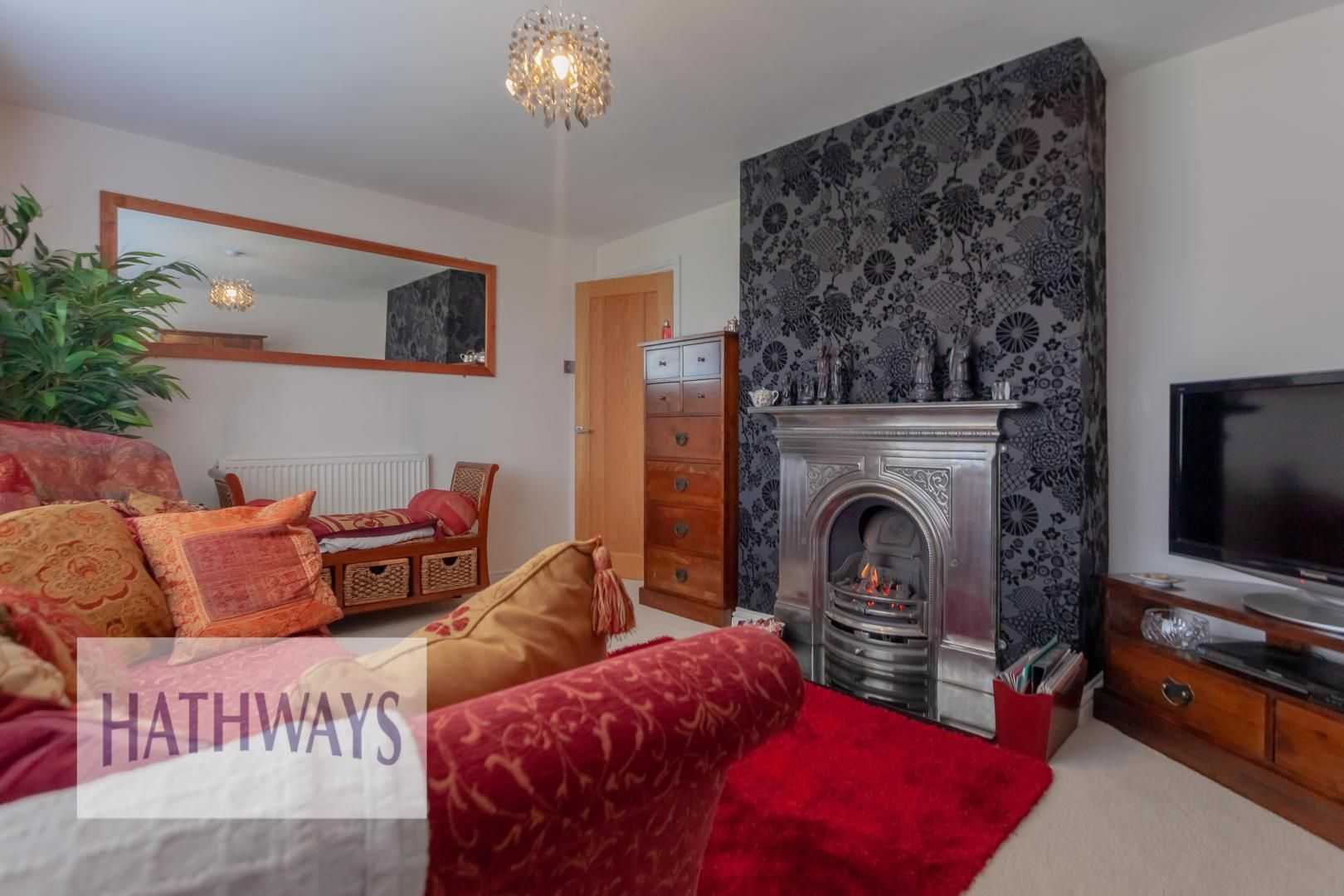 4 bed house for sale in Llanyravon Way 5