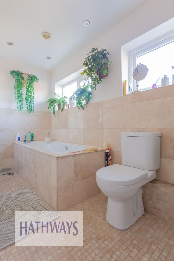 4 bed house for sale in Llanyravon Way 50