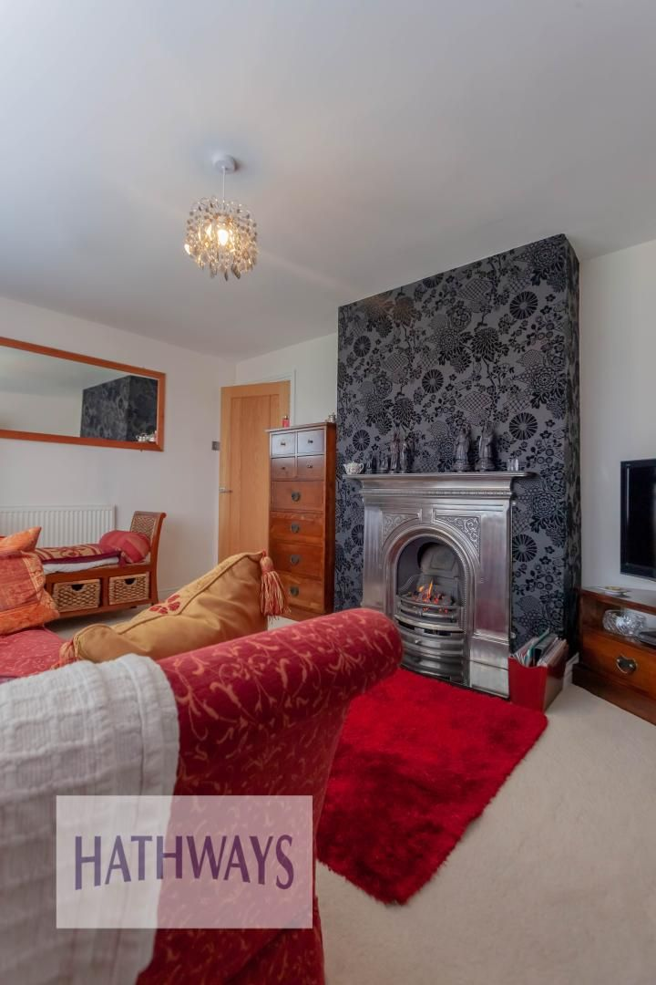 4 bed house for sale in Llanyravon Way 6