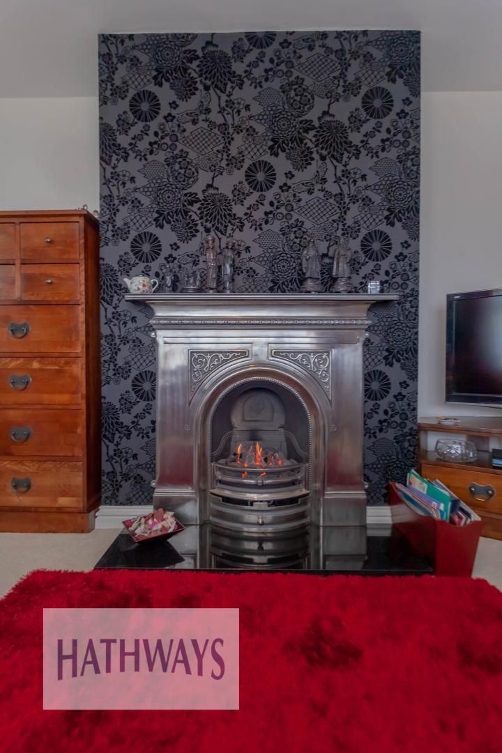 4 bed house for sale in Llanyravon Way 9