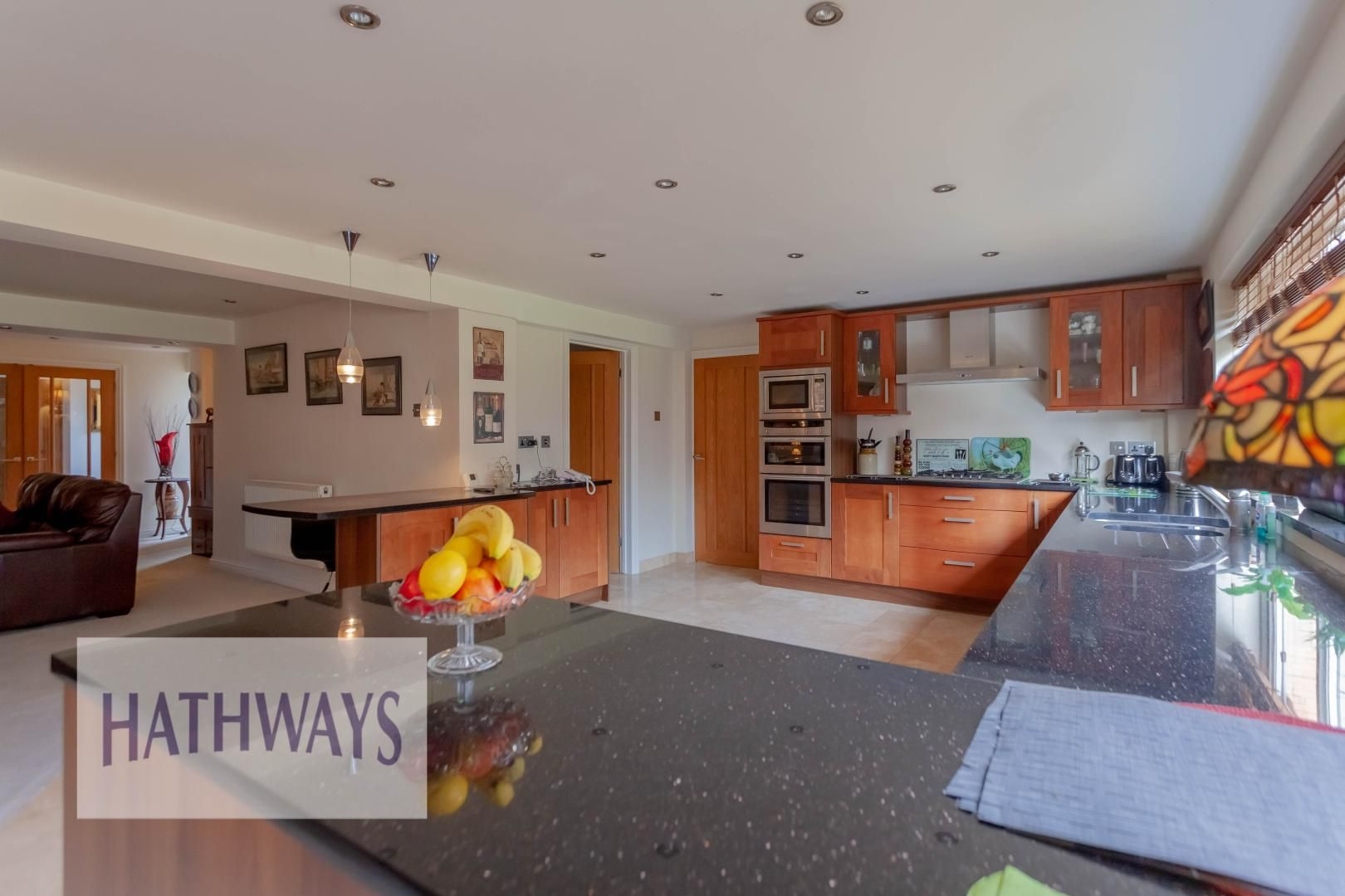 4 bed house for sale in Llanyravon Way 10