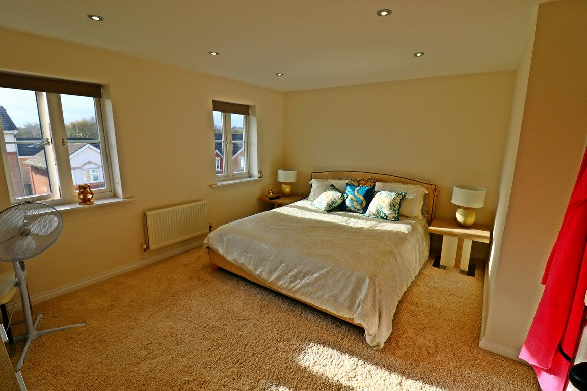 3 bed house for sale in Clos Springfield 16