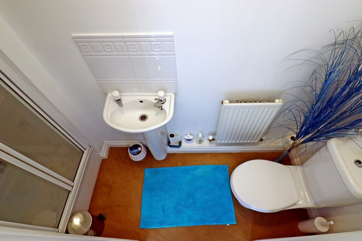 3 bed house for sale in Clos Springfield 6
