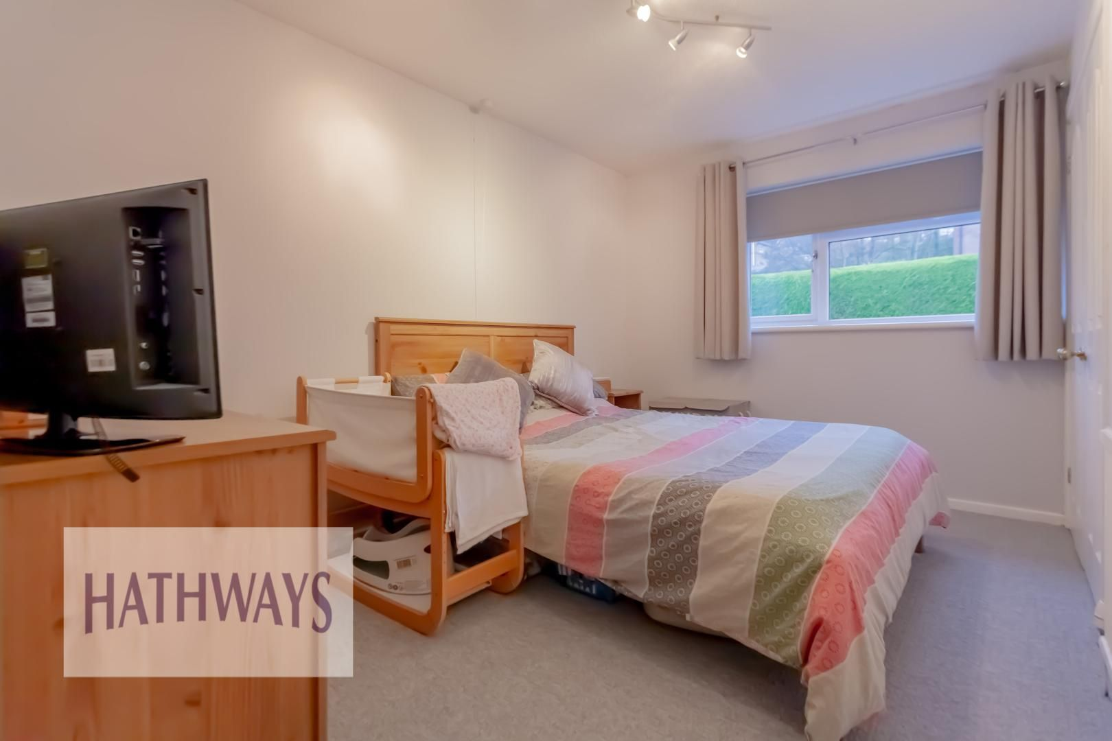 2 bed house for sale in Spring Grove  - Property Image 16