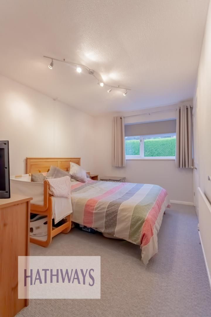 2 bed house for sale in Spring Grove  - Property Image 17