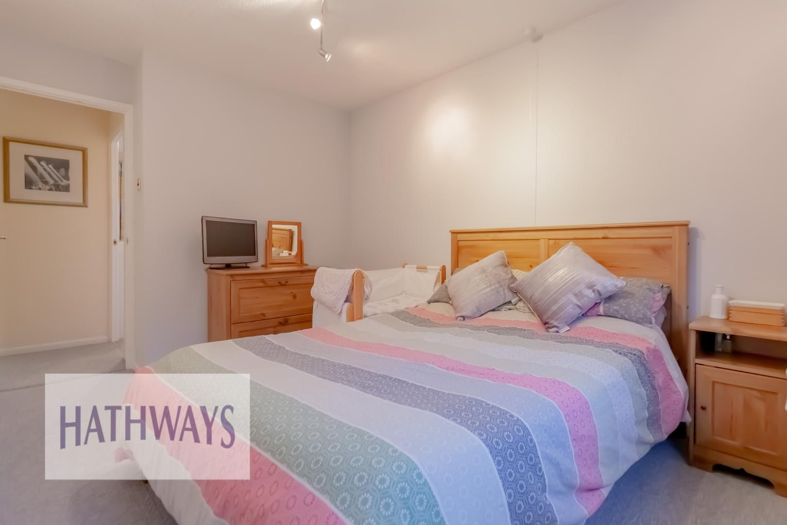 2 bed house for sale in Spring Grove  - Property Image 18