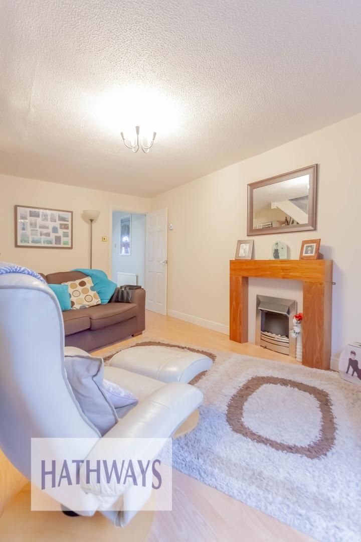 2 bed house for sale in Spring Grove 8