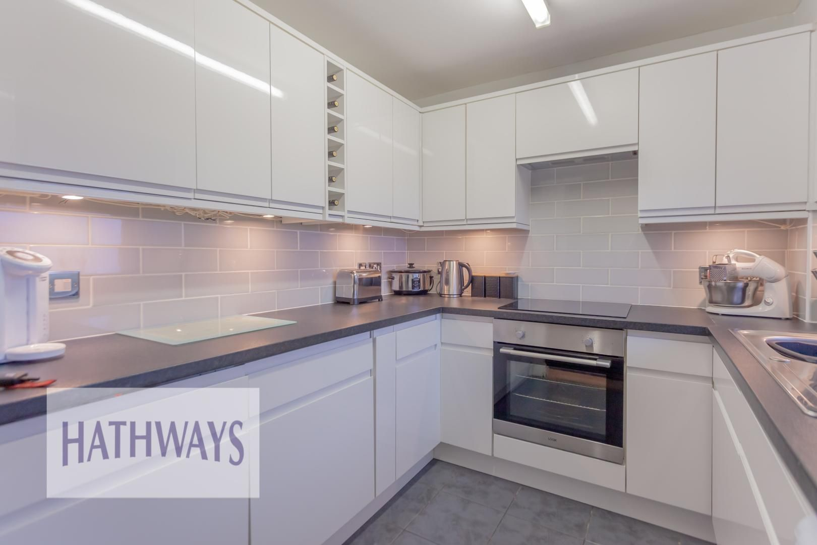 2 bed house for sale in Spring Grove  - Property Image 10