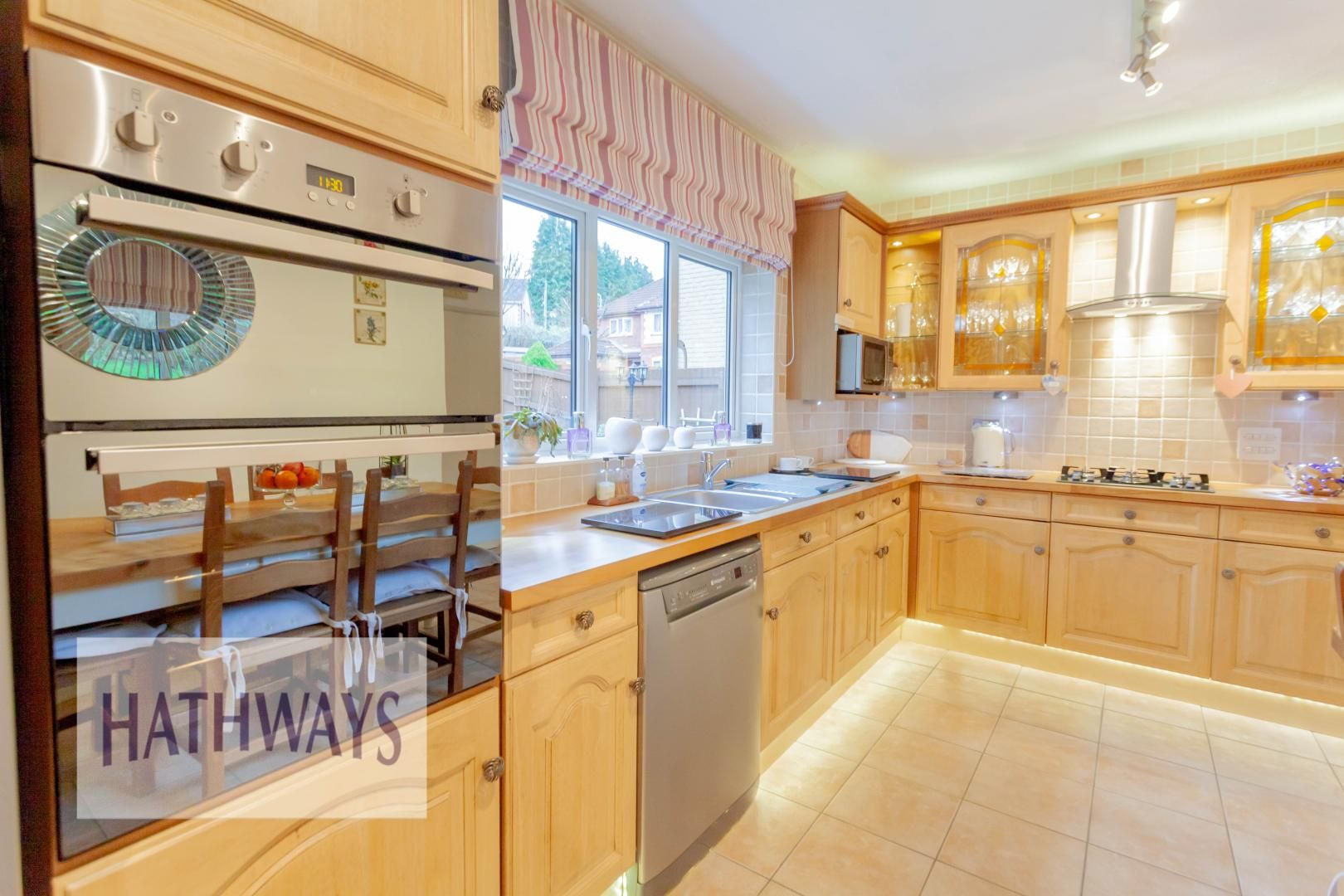 4 bed house for sale in Court Meadow 18