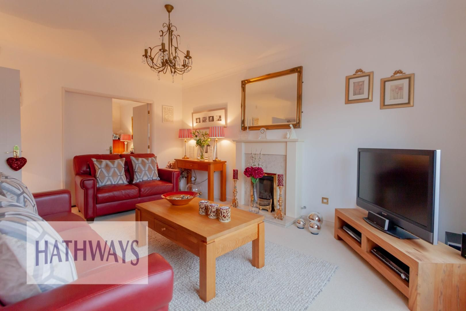 4 bed house for sale in Court Meadow  - Property Image 3
