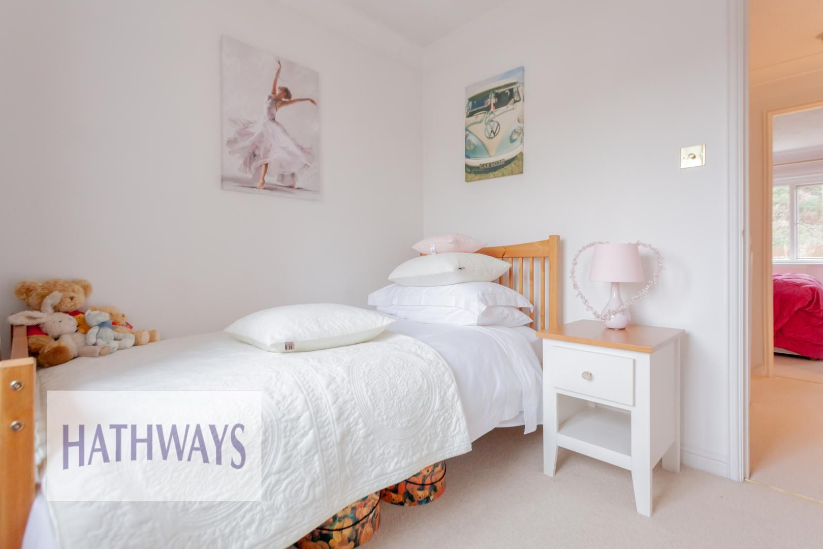 4 bed house for sale in Court Meadow 32