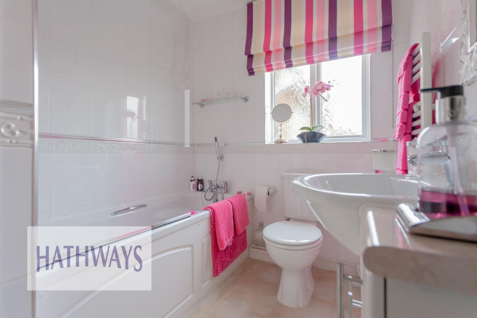 4 bed house for sale in Court Meadow 40