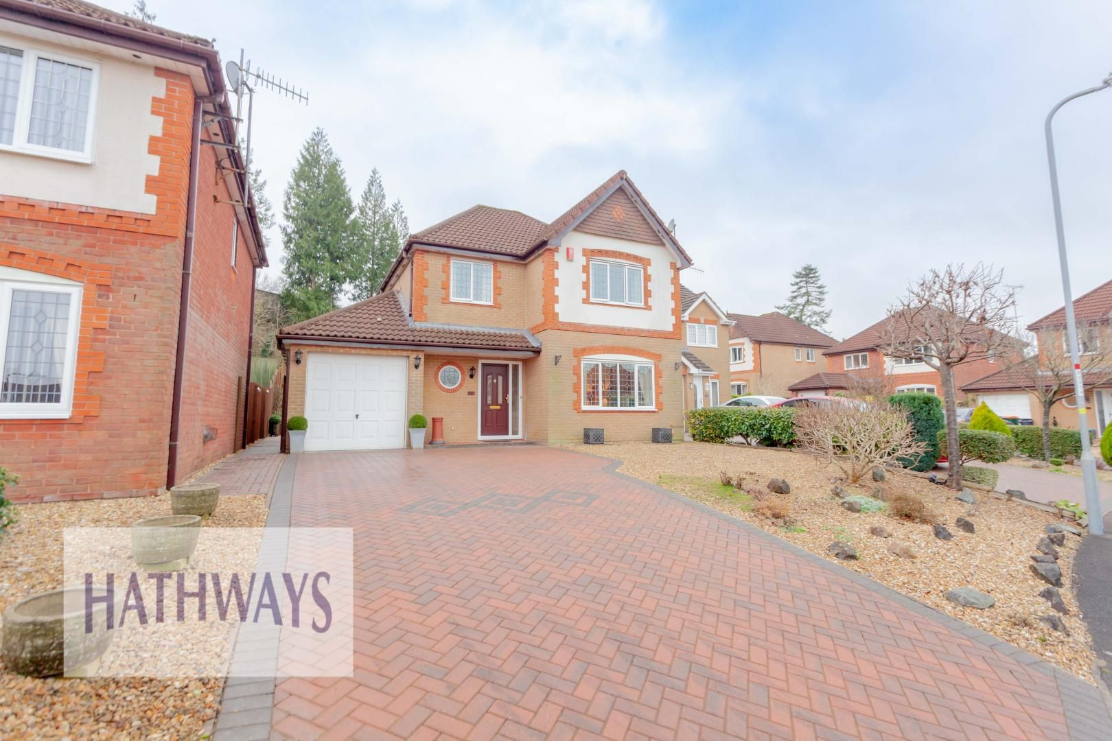4 bed house for sale in Court Meadow 52