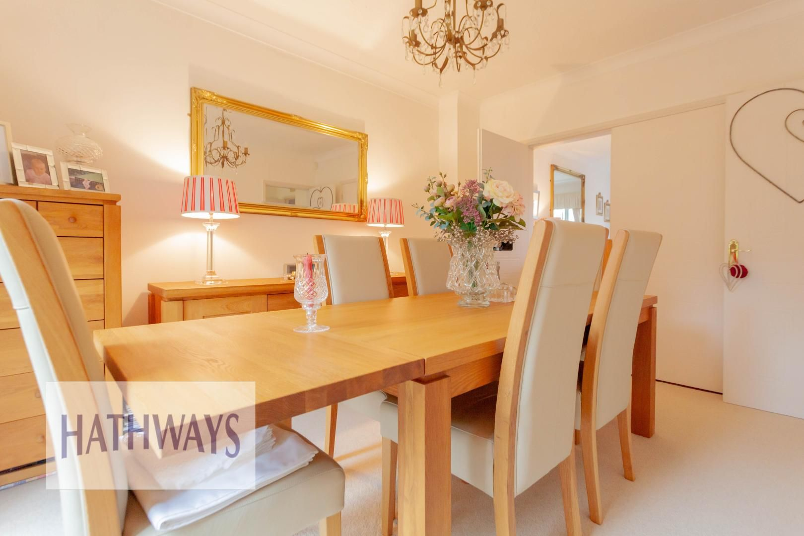 4 bed house for sale in Court Meadow  - Property Image 10