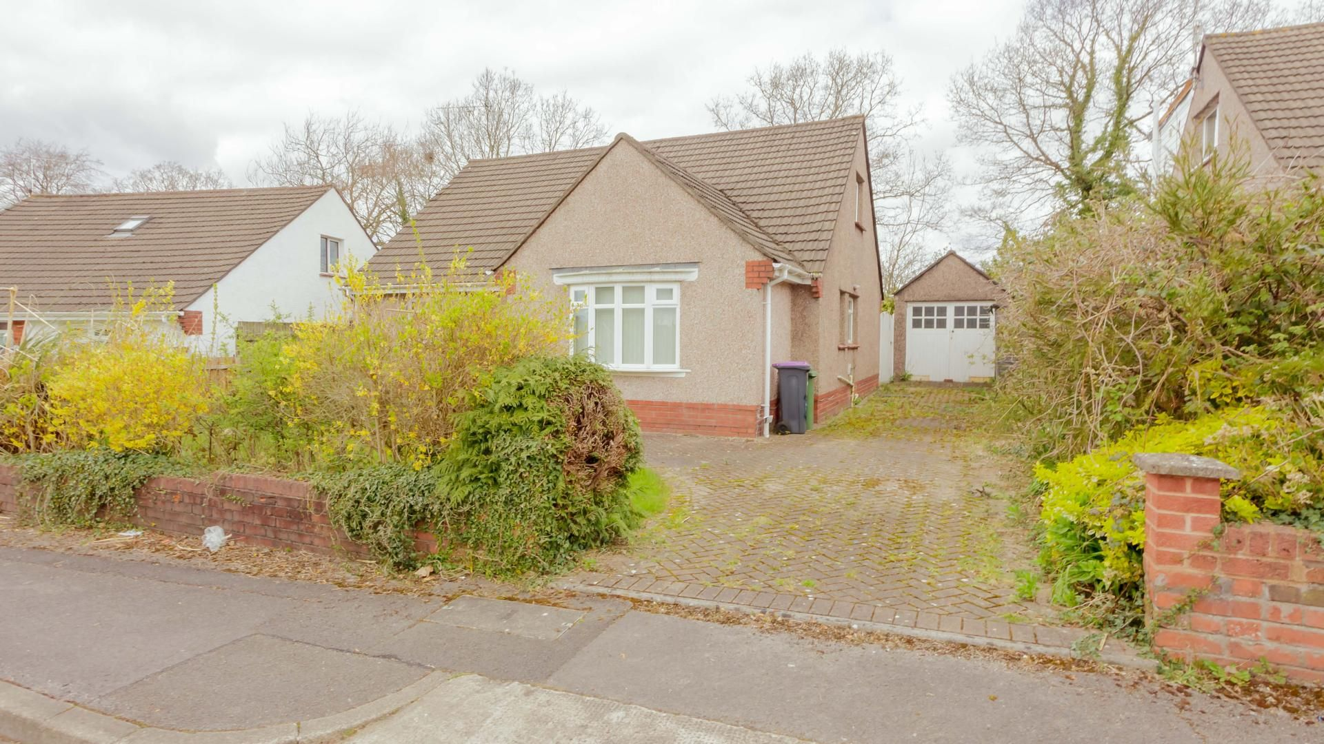 4 bed bungalow for sale in The Pastures, NP44