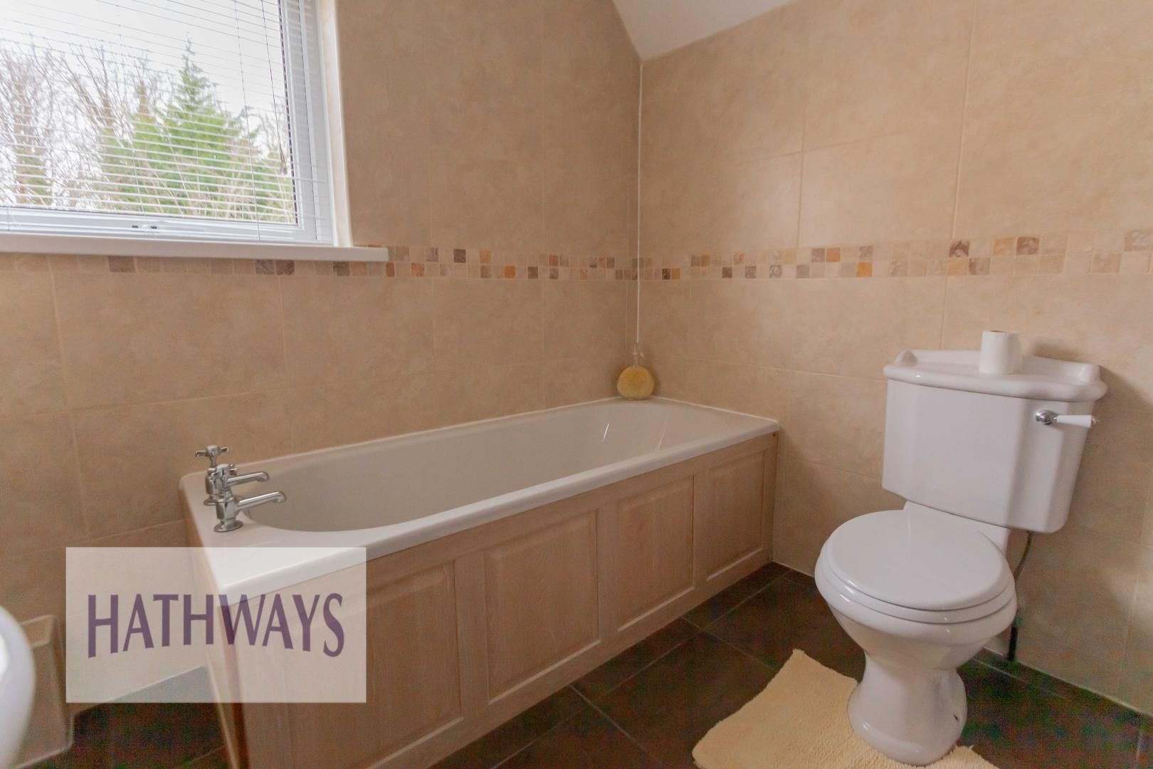 3 bed house for sale in Ashford Close 37