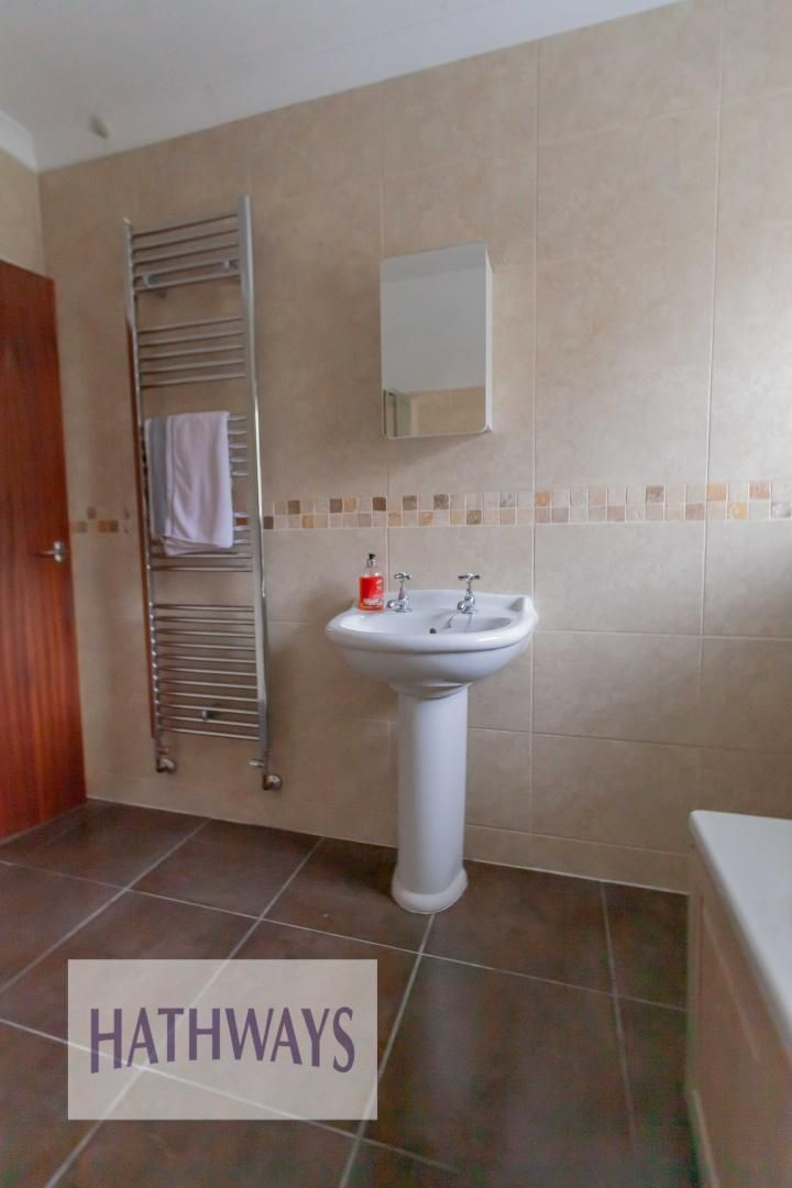 3 bed house for sale in Ashford Close 38