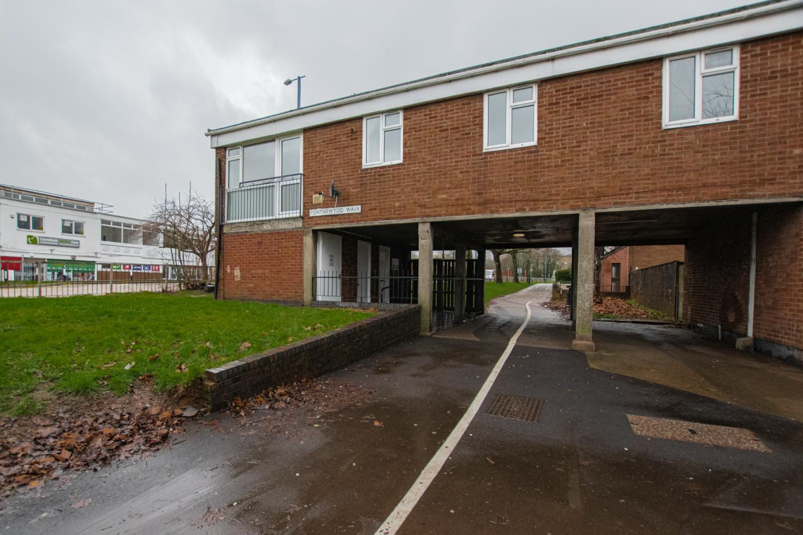 2 bed flat to rent in Pontnewydd Walk - Property Image 1