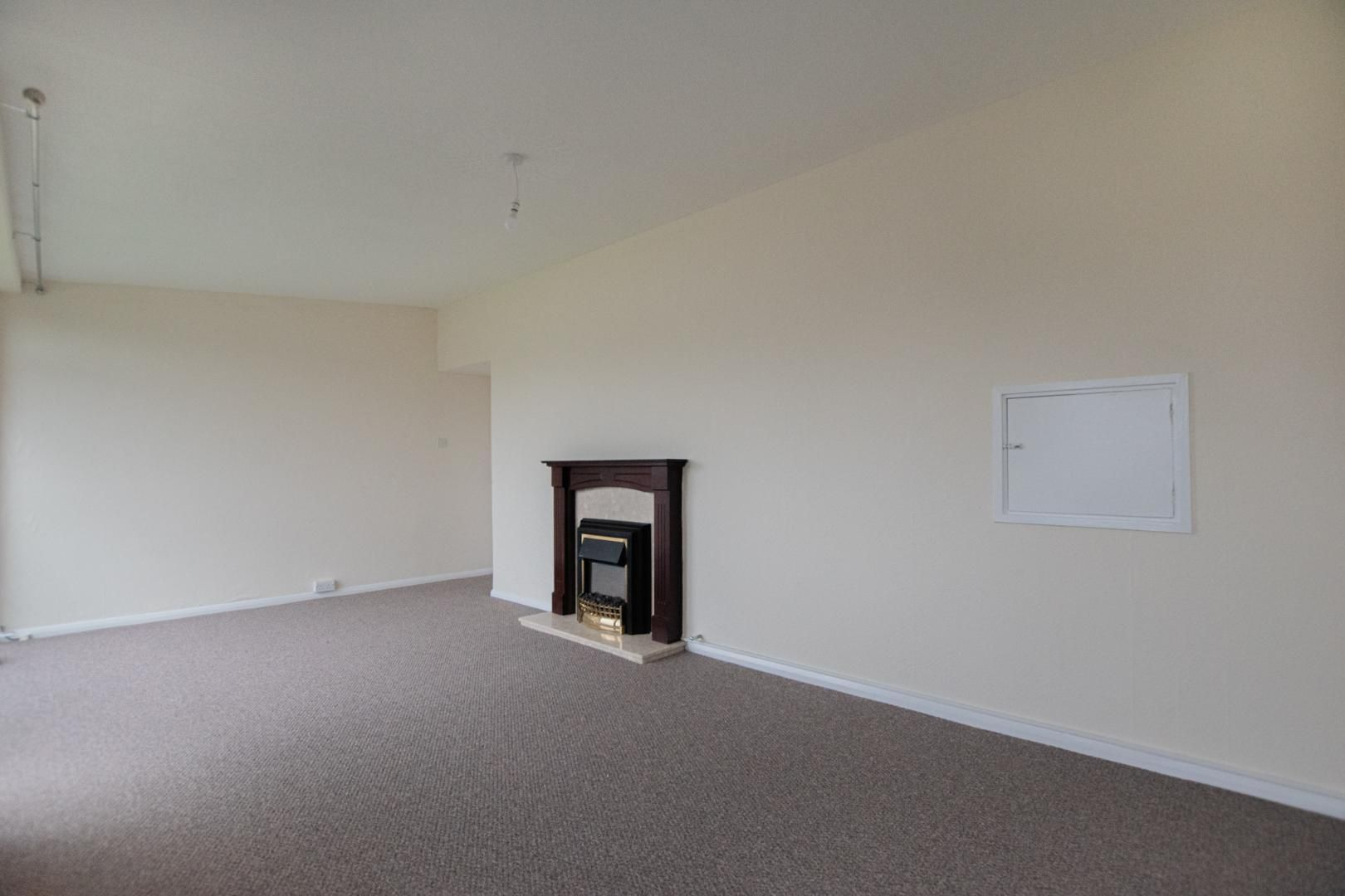 2 bed flat to rent in Pontnewydd Walk 12