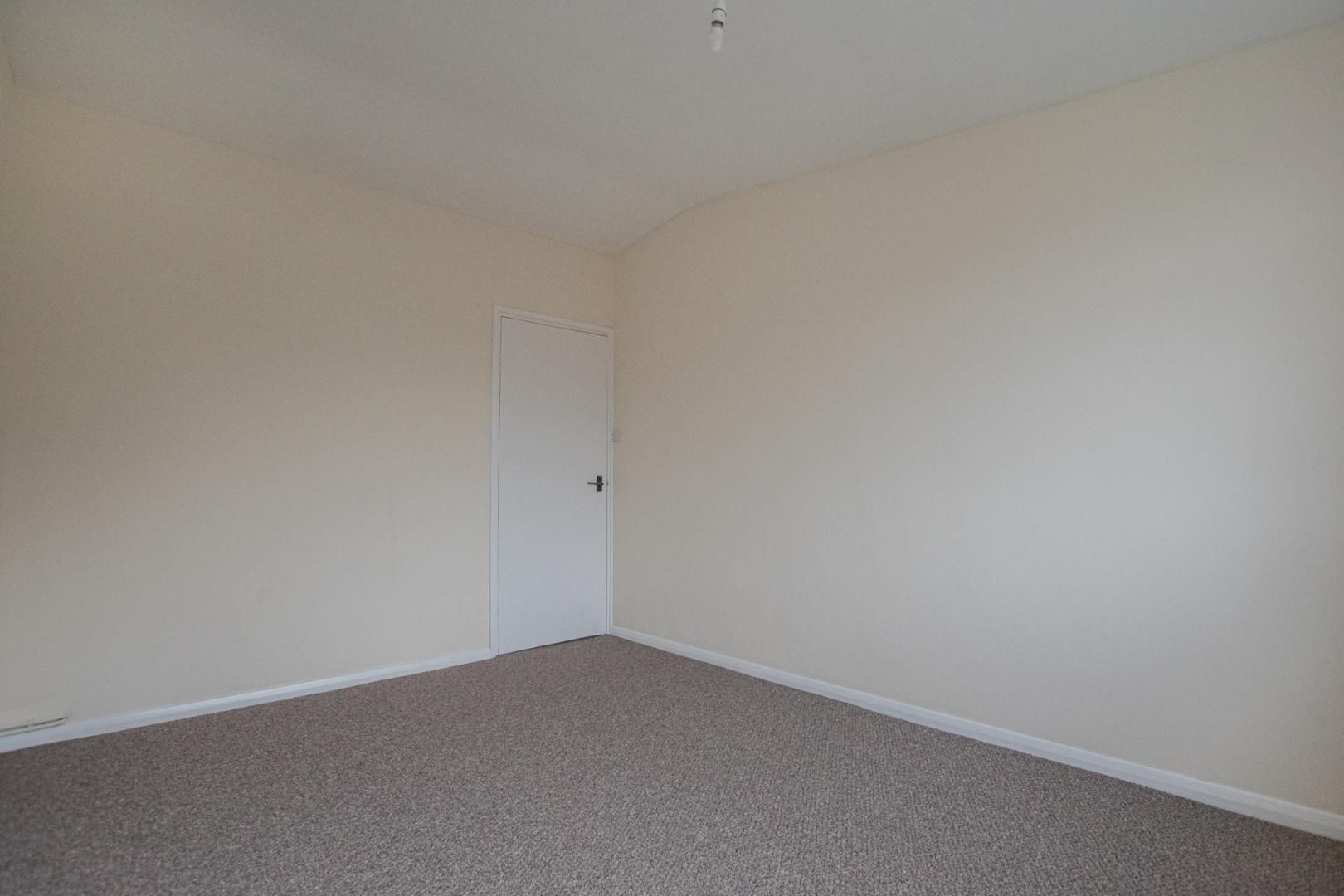 2 bed flat to rent in Pontnewydd Walk 23