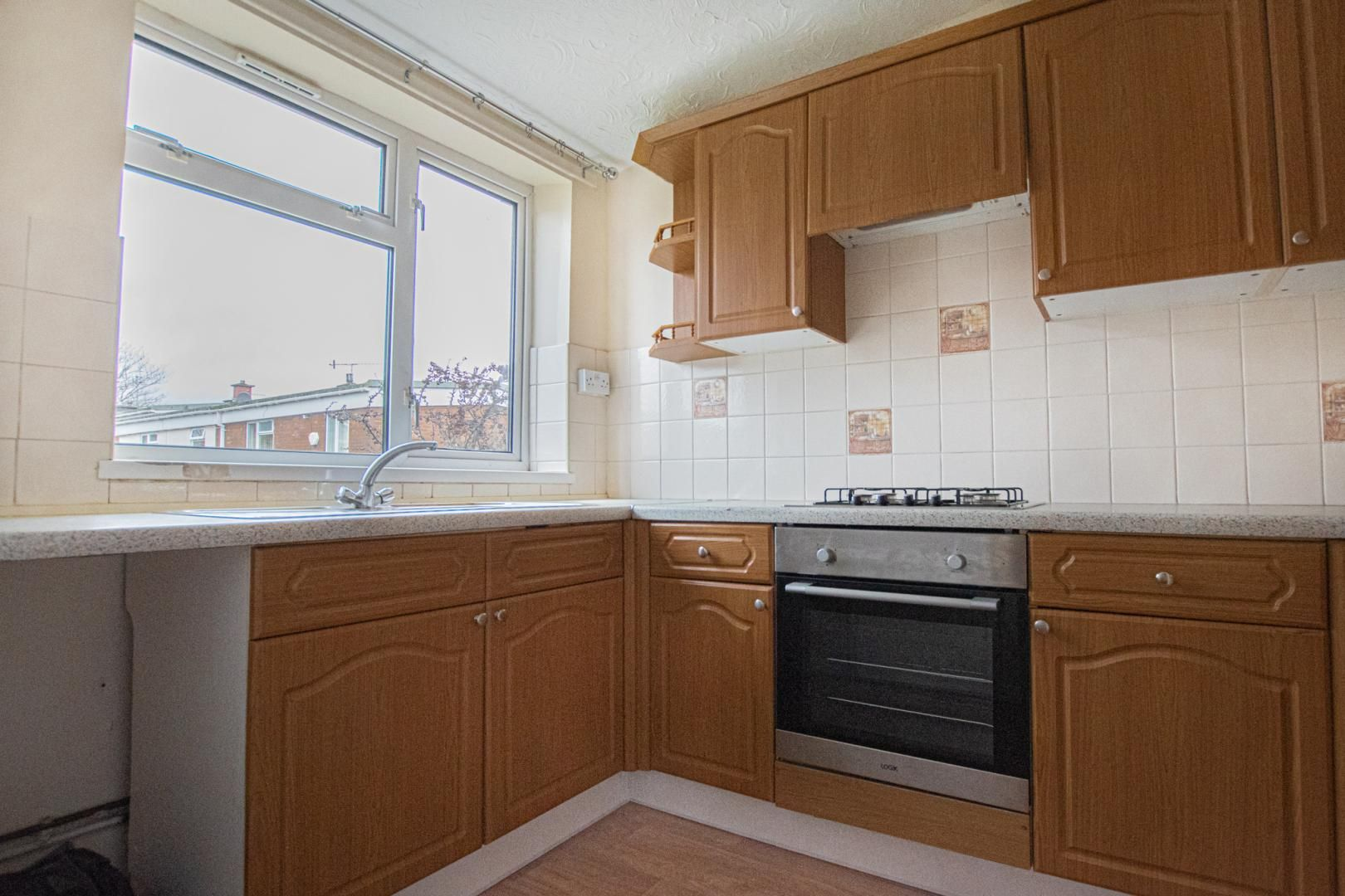 2 bed flat to rent in Pontnewydd Walk 7