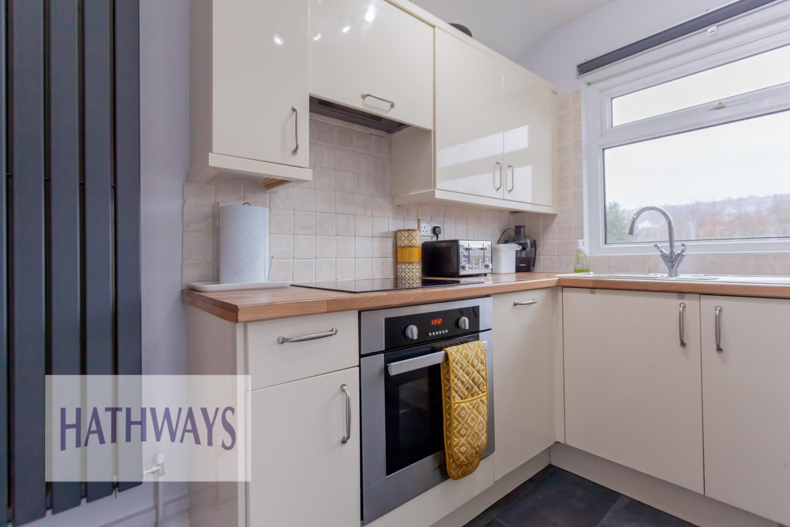 2 bed house for sale in Wainfelin Road 15