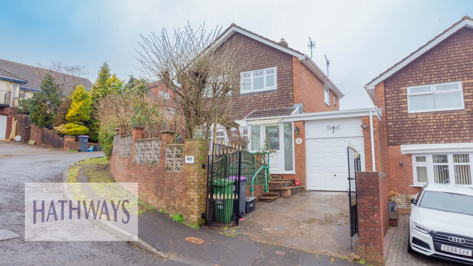 3 bed house for sale in Oaks Court, NP4