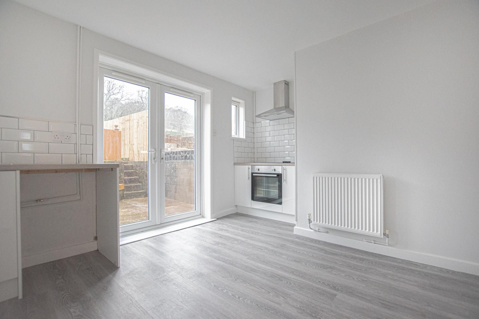 3 bed house to rent in Springfield Road 2