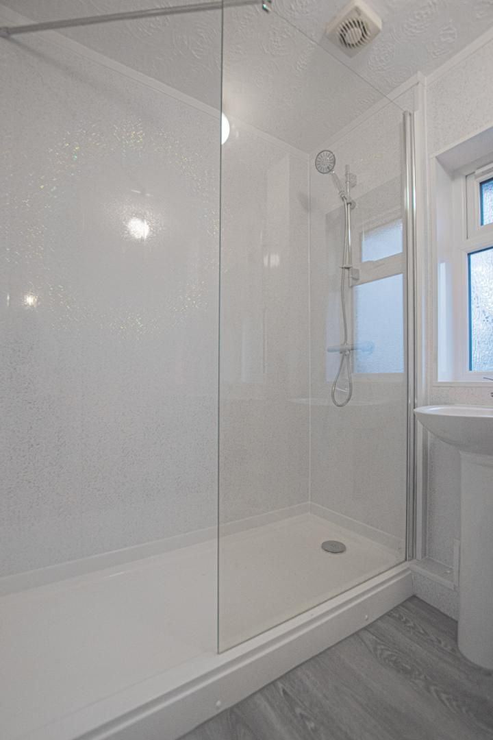 3 bed house to rent in Springfield Road 23