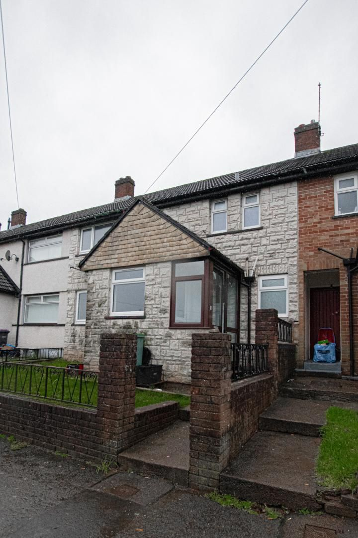 3 bed house to rent in Springfield Road 33