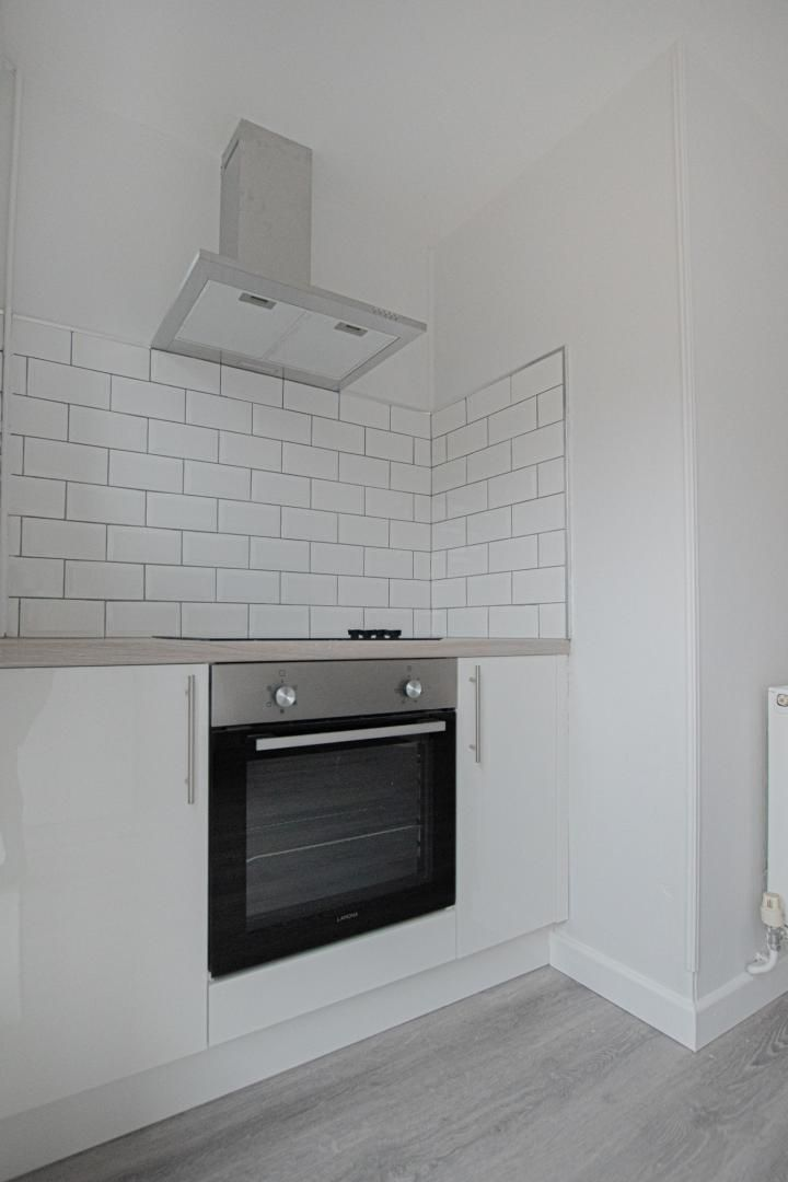 3 bed house to rent in Springfield Road 6