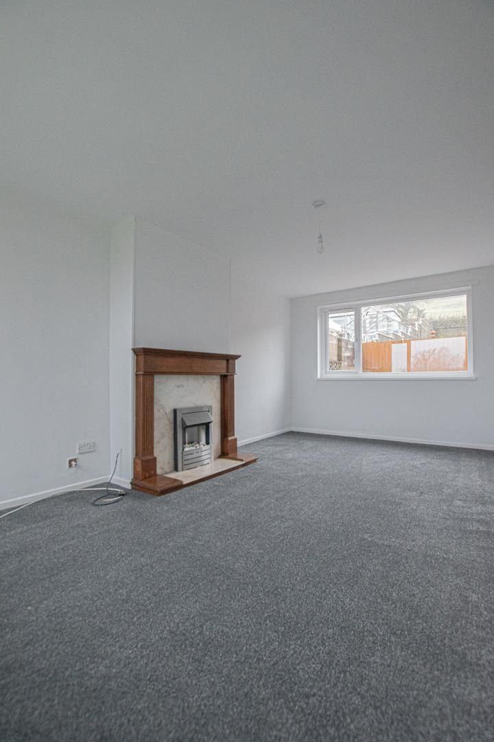 3 bed house to rent in Springfield Road 7