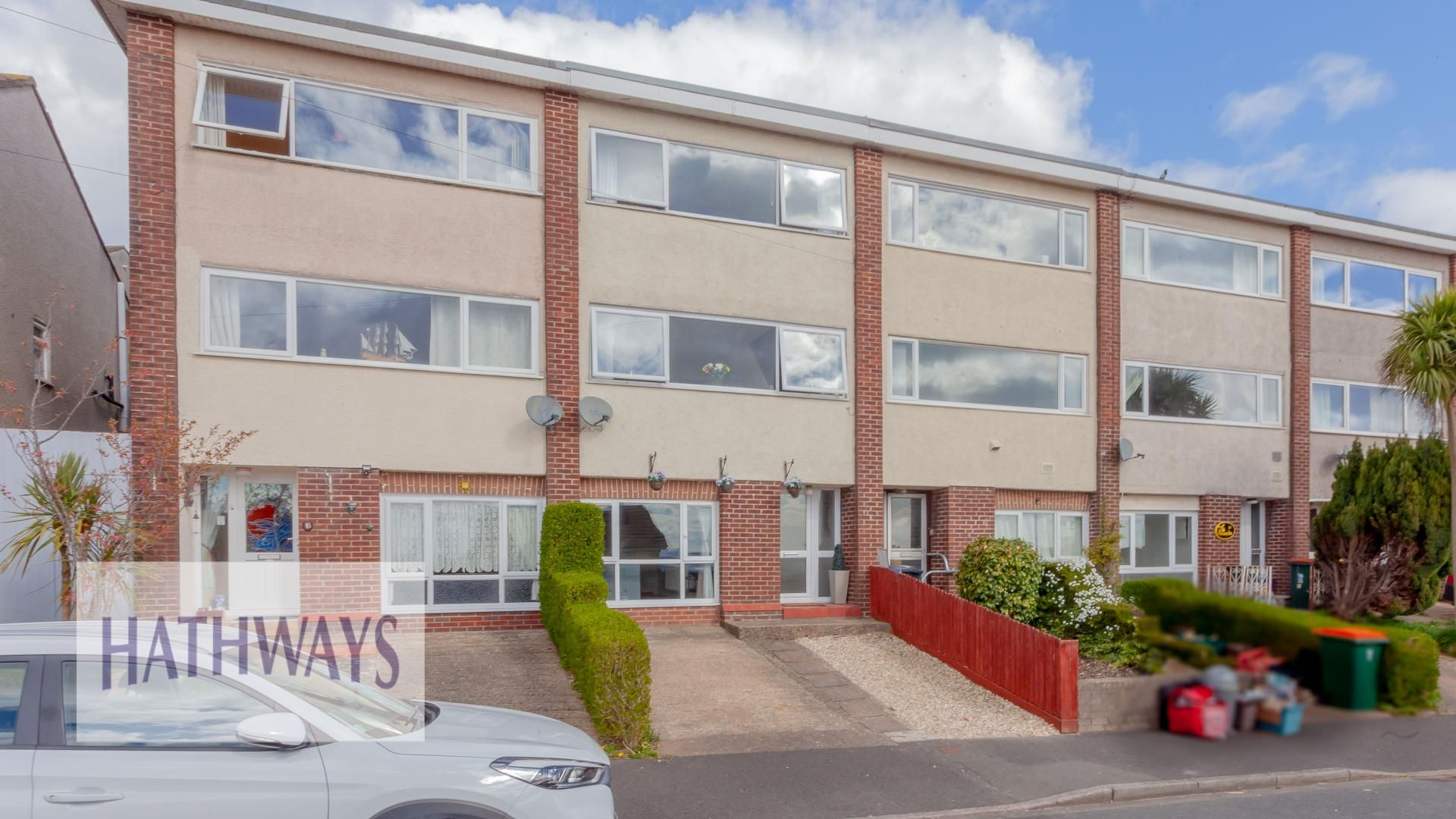3 bed house for sale in Walden Grange Close, NP19