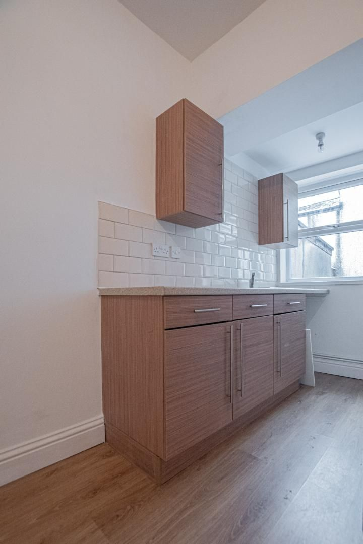 2 bed house to rent in Upper Bridge Street  - Property Image 6
