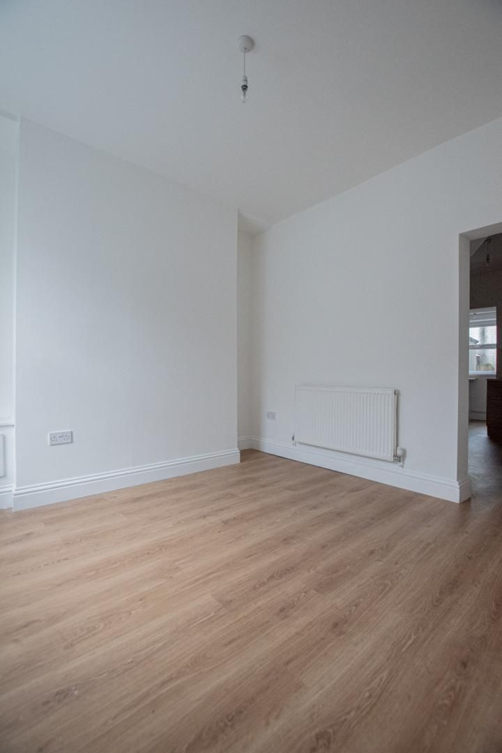 2 bed house to rent in Upper Bridge Street 8