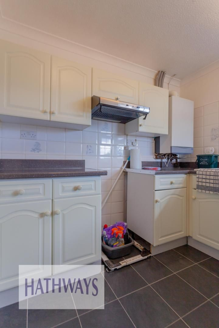 2 bed bungalow for sale in Daffodil Court 13