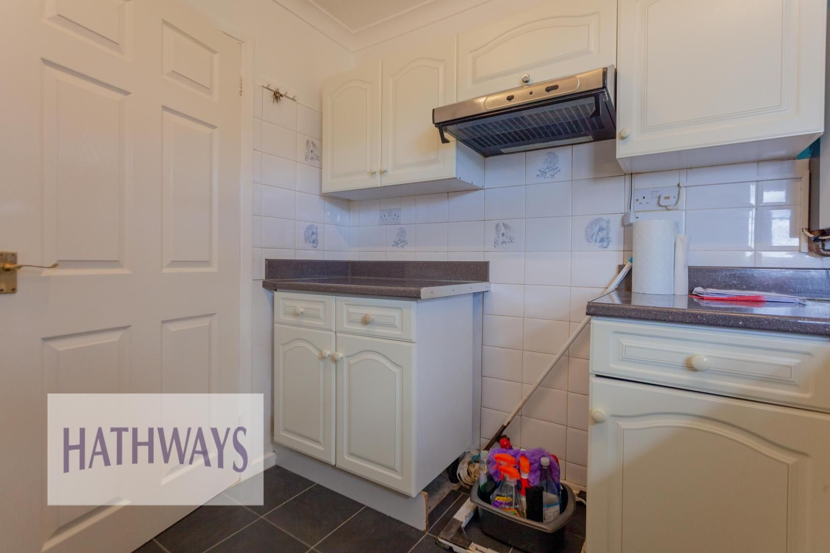 2 bed bungalow for sale in Daffodil Court 14