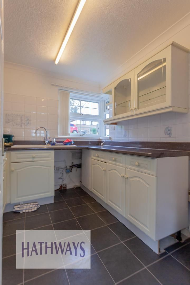 2 bed bungalow for sale in Daffodil Court 17