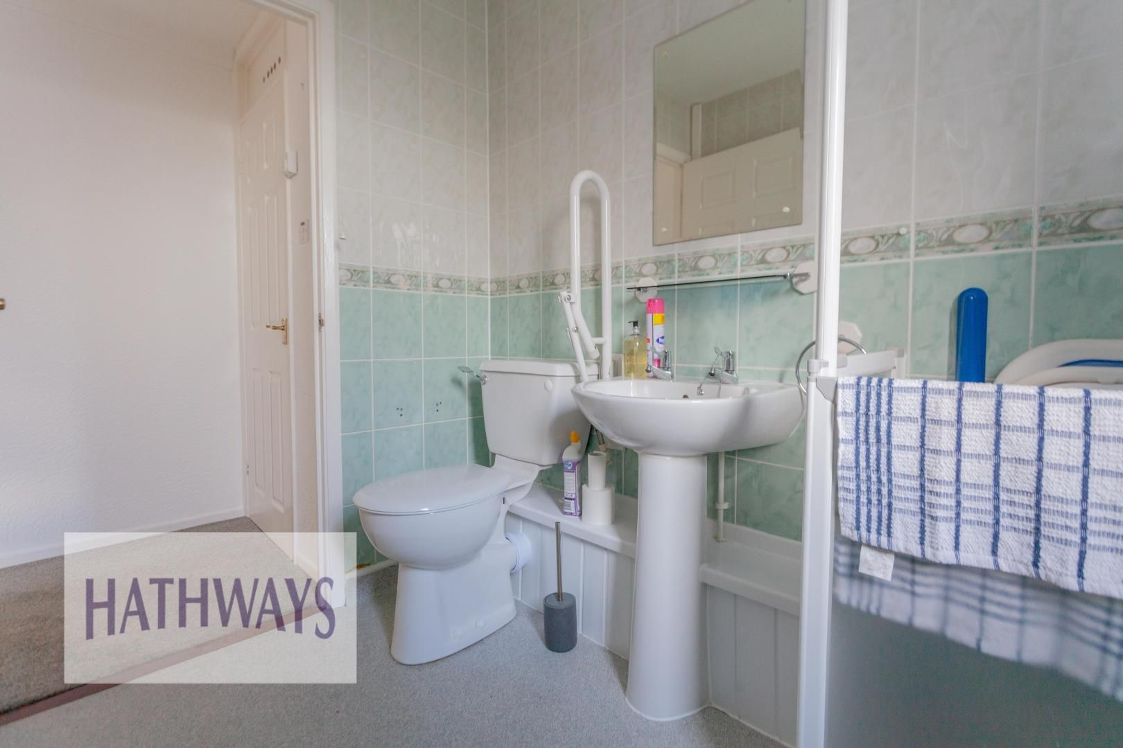 2 bed bungalow for sale in Daffodil Court 28