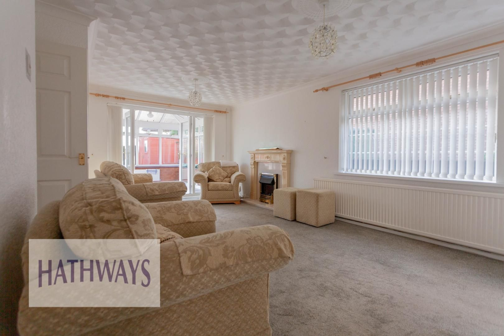 2 bed bungalow for sale in Daffodil Court 4