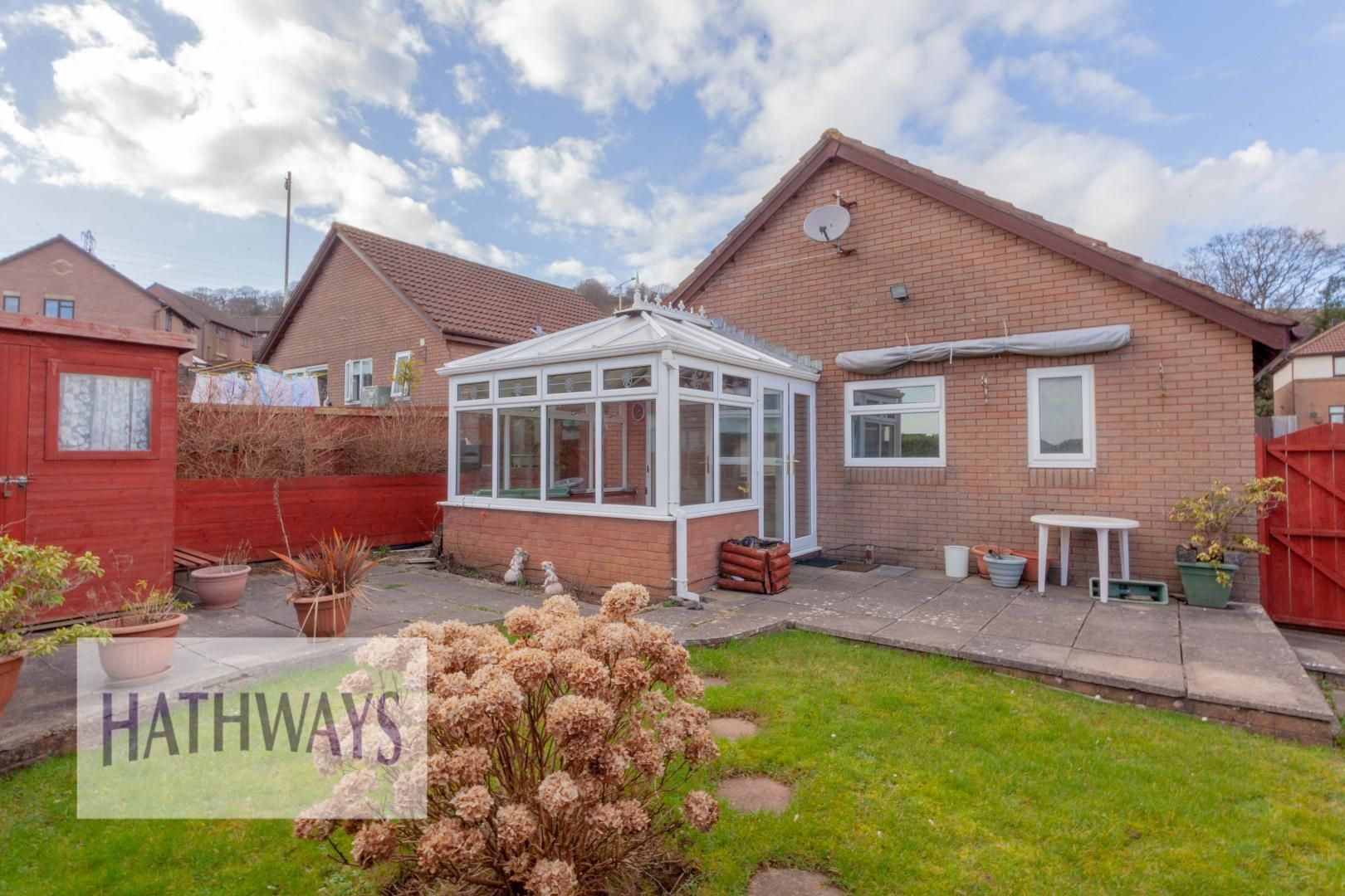 2 bed bungalow for sale in Daffodil Court 34