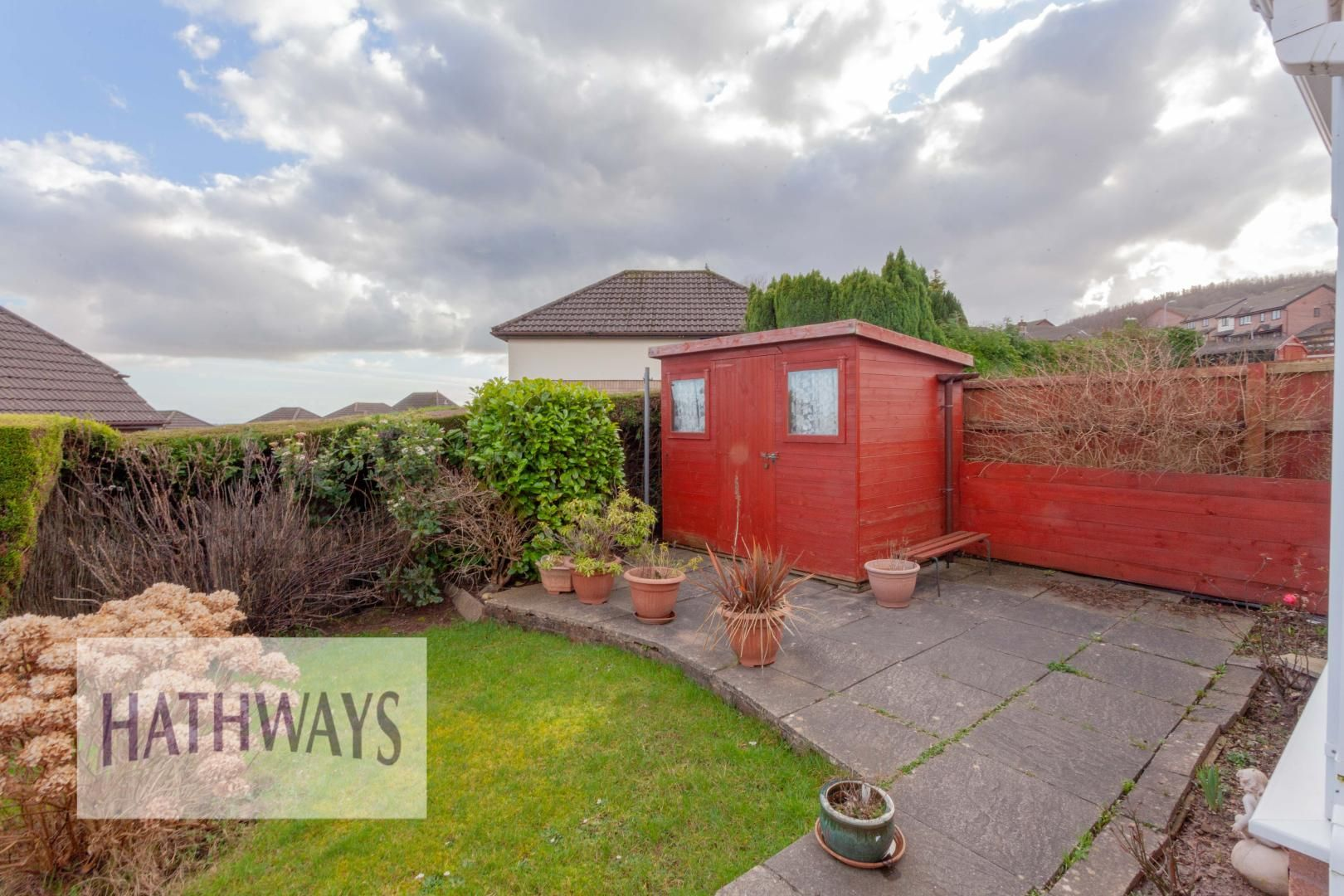 2 bed bungalow for sale in Daffodil Court 35