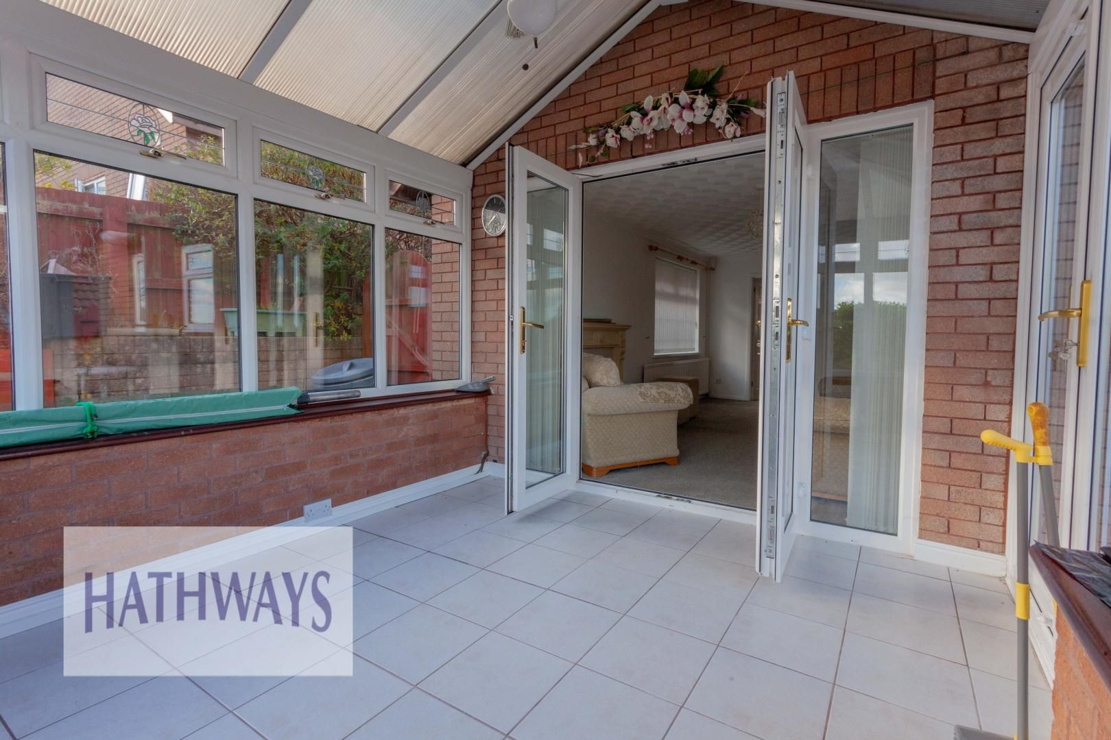2 bed bungalow for sale in Daffodil Court 9