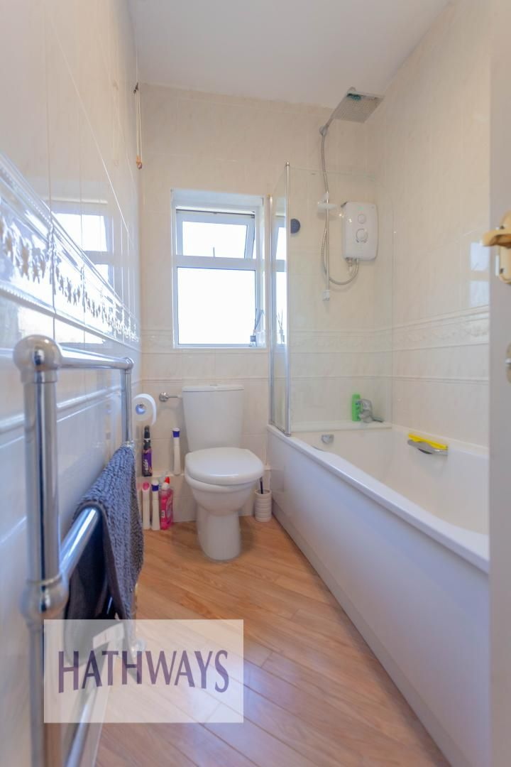 3 bed house for sale in Parc Avenue 39