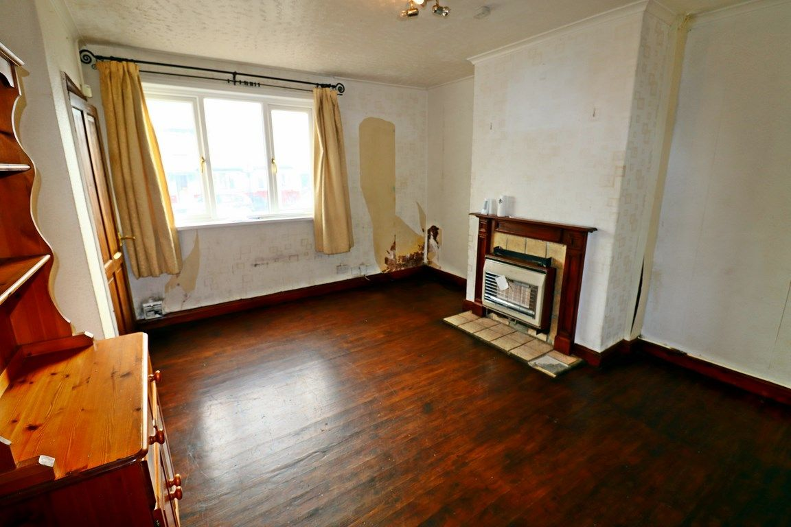2 bed house for sale in Jackson Road 3